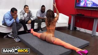 BANGBROS – Kelsi Monroe Performs A Strip Show For Her Biggest Fan, Then Sucks His Dick