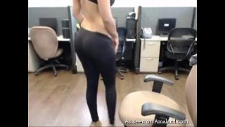 Curvy Indian babe stripping on webcam