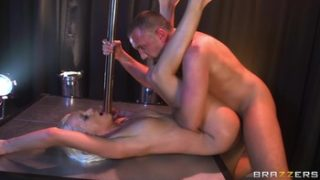 Kacey Villainess – Striptease Squirtfest